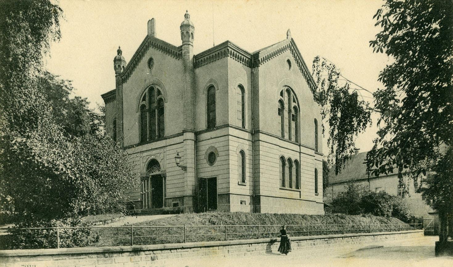 ERINNERUNG<br>Indem wir zurückblicken<br>Alte Synagoge Freiburg um 1900